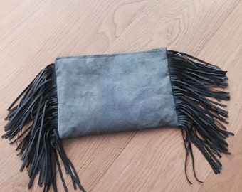 Charlotte, fringed Clutch