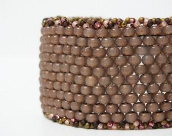 Peyote Beadwoven Big Bead Pinky Beige Bracelet