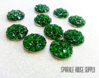 12mm Green Sparkle Cabochon with Pyramid Dimensional Detail - 10 Pcs