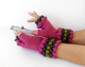 Pink Fall Winter Fingerless gloves, Pink Gloves, Fingerless Hand Warmers, Magenta Wrist Warmers, Knitted and Crocheted Girls gloves.