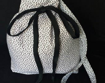 Black Ant Bucket Tote