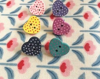 Six wooden polka dot heart button pushpins! Gorgeous gift idea!