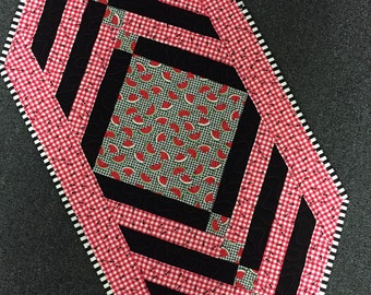 Table Runner W/watermellon and Ants