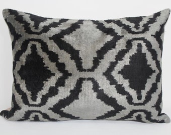 İkat Velvet Pillow Cover, 14.5'' x 20'' , Decorative Pillow, Handmade Silk Pillow, İkat Lumbar Pillow,  Shipping with Fedex 1-3 days