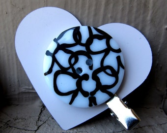 Black & White Flower Button Hair Clip