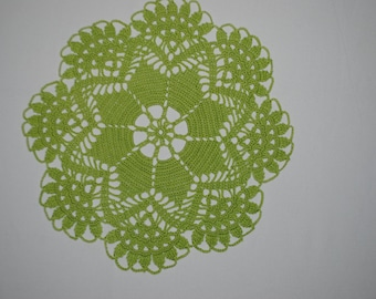 Crochet doily / Lace / Light green (color nr.16)/ 10 inches (26 cm), D-9