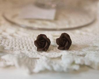 Small earrings, handmade flower jewelry, flower studs, floral earrings, brown earrings, gift to her, bridesmaid, flower earrings