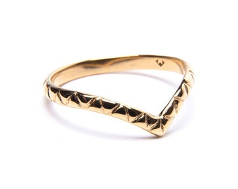 Patterned or Plain Midi Ring 18 Carat Gold. Chevron Ring. 3/4 ring. Gold ring. Upper finger Ring. Delicate Ring. Simple ring. Stacker Ring.