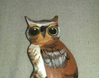 Hand painted wooden owl magnet