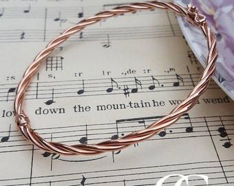 Fine 9ct Rose Gold Tube Bangle with a Twist