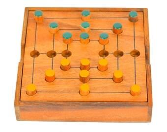 Nine Men's Morris Strategy Game