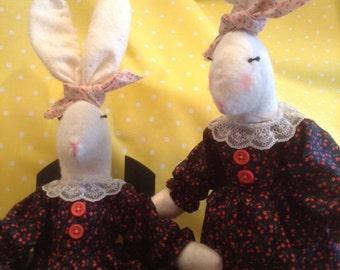 country rabbit,rabbit,Easter rabbit,primitive rabbit,Easter decor,home decor,holiday decor