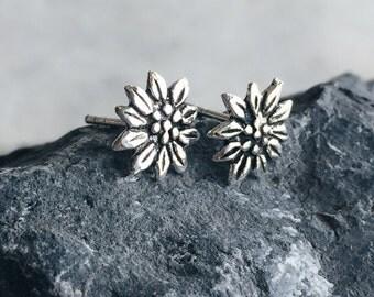 Sterling silver christmas flower ear studs, Poinsettia flower ear studs, Silver flower ear studs, Tiny flower earrings (ES20)