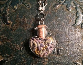 SALE! Dried lavender necklace // dried chamomile necklace // healing necklace // dried flower necklace // gothic necklace // bottle necklace