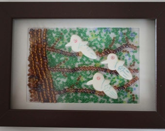 Beaded picture of 3 birds in tree