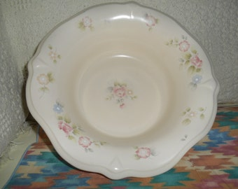 TEA ROSE PFALTZGRAFF Sculpted Serving Bowl / Pink Roses and Blue Flowers