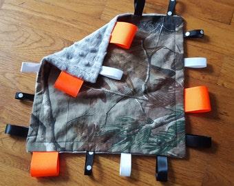 Realtree camo tag blanket