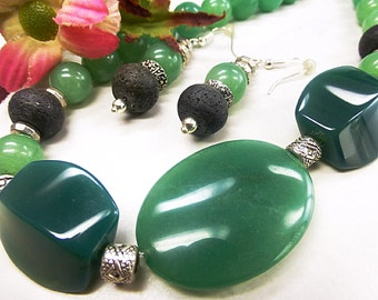 Green Aventurine set with lava and agate