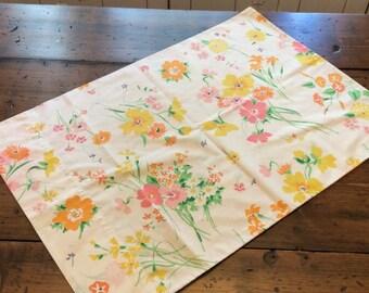 Vintage 70s Pillowcase - Yellow Orange Pink flower Bouquet  ( A794)