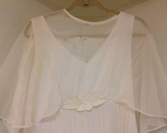 Vintage Wedding Dress perfect for spring or summer