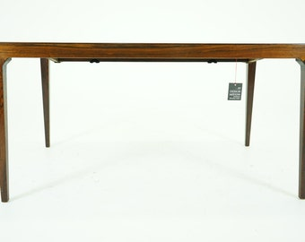 305-002 Danish Mid Century Modern Rosewood Dining Table by Severin Hansen
