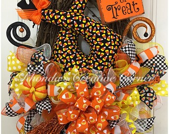 Grapevine Halloween Deco Mesh Wreath, Witch Butt Wreath, Witch Butt Deco Mesh Wreath, Grapevine Witch Wreath, Trick or Treat, Ready to Ship