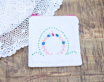 Upcycled Vintage Embroidered Linen Coin Purse/Small Zip Pouch- FREE SHIPPING