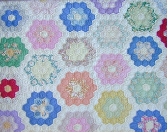FLOWER GARDEN QUILT, Grandmother's Quilt, Hand Stitched, Hand Quilted, 1920's Cotton Quilt, Antique Quilt, Throw