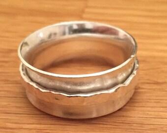 Sterling silver spinning ring - Handmade