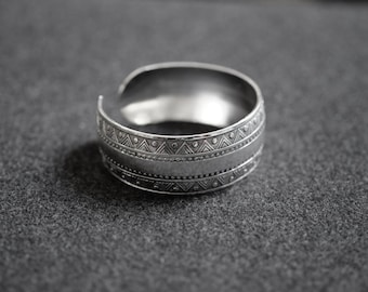 Boho Ethnic Gipsy Cuff, Bohemian bracelet, Antique Silver Tone, Aztec Cuff