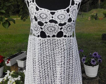 Lovely ladies / girls summer beach knitted crochet white dress beachwear with holes & straps UK 10 12, EU 38 40, US 6 8