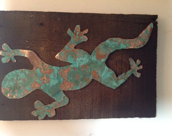 Copper gecko with green patina finish