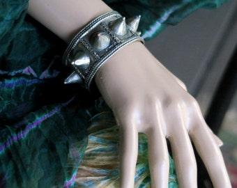 VINTAGE SPIKE BRACELET - Afghan Kuchi Tribal Jewelry