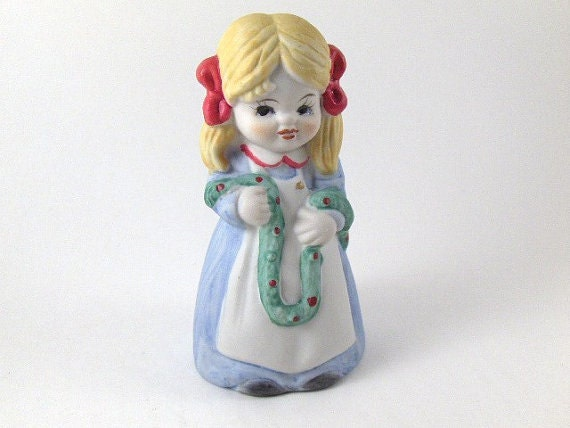 Vintage Bell Bisque Porcelain Christmas Bell Girl with Garland Collectible Bell Home Decoration Holiday Decor Christmas Ornament Decoration