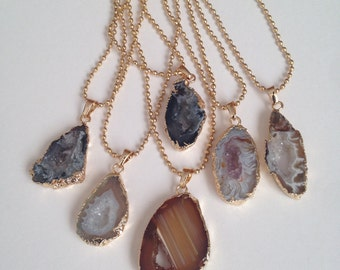 Agate with chain