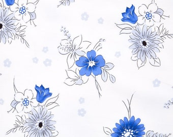 Quilting Treasures - Midnight Bouquet White Fabric by Studio 8