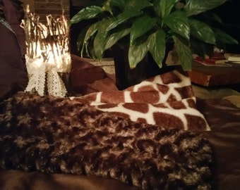 Luxuriously soft, faux fur compress. All Natural made with flax seed.