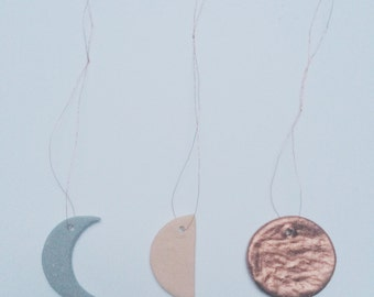 Set of 3 ceramic moon phases hanging ornaments