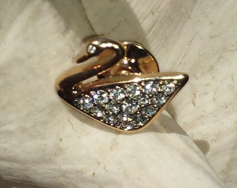 Authentic Vintage Swan Swarovski Crystal Brooches/Pin.