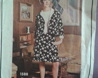 sz 12 Vintage Vogue Paris Original 1588 sewing pattern Jacques Heim sleeveless dress and jacket 1960's Mod style