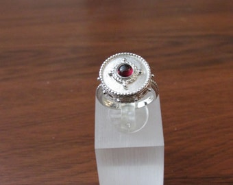 925 sterling silver with cabochon garanat