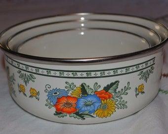 Vintage Enamelware Nesting Bowls