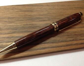 Pen wood shot