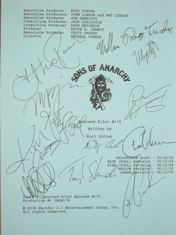 Sons of Anarchy Signed TV Screenplay Script Katey Sagal Theo Rossi Charlie Hunnam  William Lucking Ron Perlman Kim Coates Johnny Lewis
