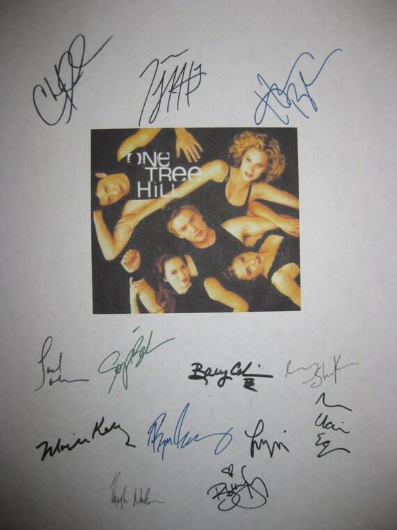 One Tree Hill Signed TV Pilot Script Screenplay X13 Autograph Chad Michael Murray James Lafferty Hilarie Burton Sophia Bush Moria Kelly
