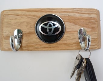 Toyota Wood key holder, solid wall mounted key holder, key organizer, wood hanger, key storage, key hooks, wood metal hooks, toyota logo emb