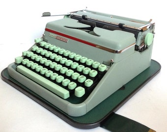 Hermes 2000 Manual Portable Typewriter