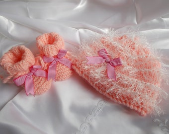 bonnet and booties baby made wool hand pink