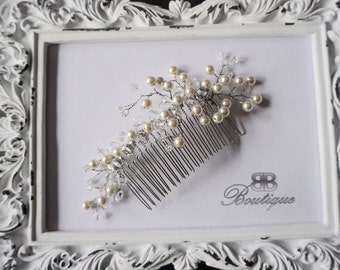 Handmade delicate bridal hair comb for any hairstyle design, Bridal comb pearl, gold wedding accessories