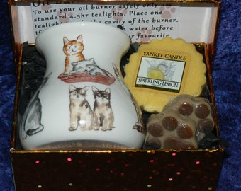 Cats China Oil Burner, with burner, yankee melt, wax paw shaped melts 2 tealights- gift box choose from 4 colours of box